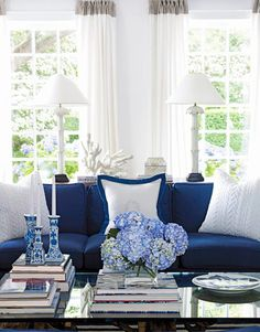 Blue and white makes the perfect summery living room.