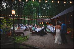 woodsy oregon wedding reception { Loloma Lodge / Jane in the Woods Photographie }