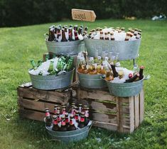 Galvanized metal cart party bucket DIY drink station, a great piece for your nex .Galvanized metal trolley party bucket DIY drink station, a great piece for your next BBQ evening or barbecue party! Beer Bar, Fall Wedding, Beer Wedding, Diy Wedding Bar, Wedding Parties, Drinks Wedding, Barn Parties, Wedding Catering, Dream Wedding