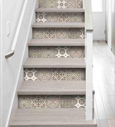Stickers pour contremarche faux carreaux de ciments gris - décoration de contremarche avec faux carreaux de ciment gris - imitation d'azulejos en ciment gris - stickers pour escaliers
