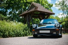 One of 53 UK, right-hand drive cars and only miles. 1989 Porsche 911, Porsche 930 Turbo, Singer Porsche, Custom Cars, Auction, Racing, Euro, Colors, Style