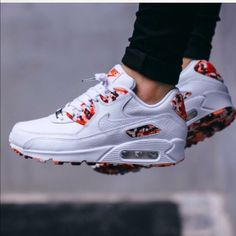 """Nike air max 90 London Edition ! Nike white leather air max 90 QS """"London"""" edition Red &Atomic pink Camouflage brand new hate to sell but don't fit :( women""""s size 8 new in box no lid ! Nike Shoes Sneakers"""
