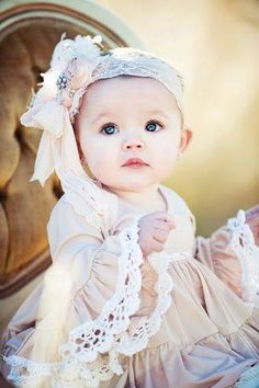 Little princesse. Cute Baby Boy, Cute Baby Girl Pictures, Cute Little Baby, Baby Kind, Pretty Baby, Little Babies, Baby Love, Cute Kids, Beautiful Children
