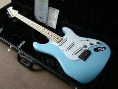 Fender Custom Shop Eric Clapton Stratocaster in Daphne Blue