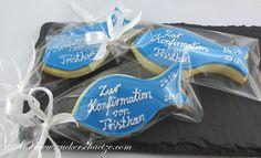 """Wunderschön dekorierte Ichthys-Kekse mit Zuckerglasur für Ihre Feier zur Kommunion/Konfirmation im 5er Set.   **Bitte teilen Sie uns in der Kaufnachricht mit: ** **Variante 1: """"zur Konfirmation..."""
