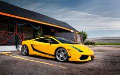 Scarica sfondi Lamborghini Gallardo Superleggera, supercars, parking, lambo, yellow Gallardo, Lamborghini