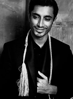 Riz Ahmed (his face. his face. Pretty Men, Beautiful Men, Beautiful People, Hello Beautiful, Rudy Youngblood, Bae, Interesting Faces, Attractive Men, Good Looking Men