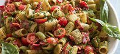 Pesto Pasta Salad - What's Gaby Cooking Corn Salad Recipes, Chicken Salad Recipes, Avocado Recipes, Healthy Salad Recipes, Seafood Recipes, Whats Gaby Cooking, Pesto Pasta Salad, Salad Wraps, Appetizer Salads