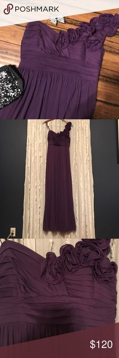 💃🏼 Beautiful off the shoulder gown! 💃🏼 Purple, off the shoulder gown! Worn once! Would be perfect for prom, homecoming, wedding, or and special event! Be the belle of the ball in this gorgeous gown! Fits true to size and has not been altered! City Triangles Dresses One Shoulder