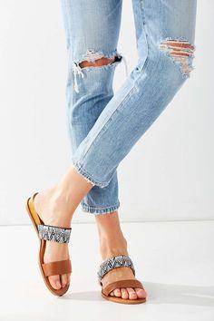 Dolce Vita Pacey Studded Slide Sandal UzNjQScgBw