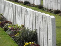 Lijssenthoek is mijn favoriete begraafplaats. Achter het front in de buurt van Poperinge met een wel heel bijzonder verhaal dat je eigenlijk niet mag missen.