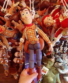 Disnayland Paris welcome to! relacja w vlogu 18 juz na @youtube (LINK W BIO) #yt #disneyland #disneylandparis #galanty #yt #youtube #vlog @tokarzewska #western #childhood #beautiful #goodday #friend #disney #story #dream #kingdom #queen #love #goodlife #france #paris #youtuber #chudy #andy #toy #toystory