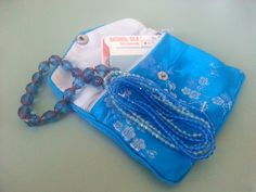 Jewelry Makers /Beads organization...Put the beads, findings and strings together in a zippered pouch for on the go projects. (Also this way I don't forget what I got the beads for!) By NoelsJewelryandMore