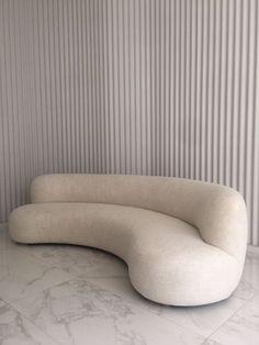 Canapé 280 - The Invisible Collection Minimalist Sofa, Minimalist Interior, Minimalist Design, Dream Home Design, Home Interior Design, Interior Decorating, House Design, Sofa Design, Furniture Design