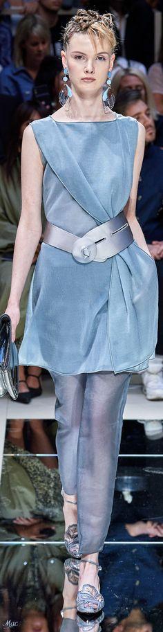 Blue Fashion, Fashion 2020, High Fashion, Fashion Show, Fashion Design, Fashion Trends, Womens Fashion, Emporio Armani, Giorgio Armani