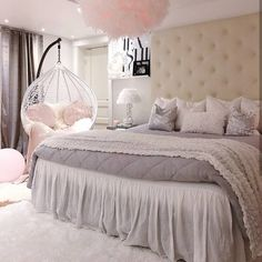Girl Room Decor Ideas - How do you decorate a small bedroom? Girl Room Decor Ideas - How do I style my room? Girl Bedroom Designs, Bedroom Makeover, Bedroom Design, Room Inspiration, Bedroom Decor, Girl Room, Mansion Bedroom, Room Decor, Room Ideas Bedroom