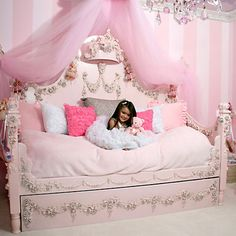 princess bed- if i have a daughter this will be OUR bed haha