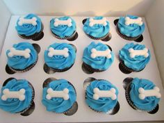 puppy themed cupcakes | Puppy Paw Prints & Bones Cupcakes!