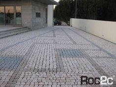Entrada de garagem em calçada, com desenho exclusivo, Moita Gavião, Portugal