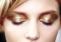 Fun party makeup: Foiled Gold / Bronze Eye Shadow