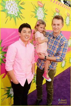 bradley steven perry jason dolley kids choice awards 2013 red carpet 05