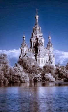 Mysterious Peterhof, Russia...awesome!  Love seeing places I will never see but through beautiful photographs! <pin by Donna Clark on Things I Love>