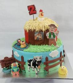 Farm Animal Birthday, Farm Birthday, Farm Party Decorations, Boys First Birthday Party Ideas, Farm Cake, Farm Theme, First Birthdays, New Baby Products, Farm Party