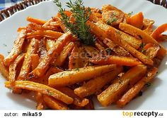 Mrkev pečená v tymiánovém jogurtu recept - TopRecepty.cz Vegetable Dishes, Vegetable Recipes, Meat Recipes, Vegetarian Recipes, Cooking Recipes, Healthy Recipes, Healthy Cooking, Healthy Eating, Fall Dinner Recipes