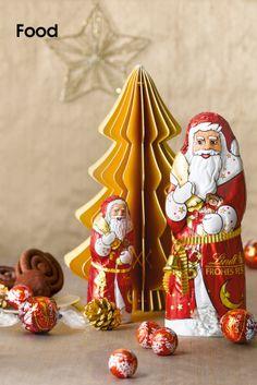 """Lindt • Weihnachten ist die schönste Zeit, um Freunden, Kollegen und seinen Liebsten eine Freude zu bereiten. Und wer anderen die Festtage versüßt, sollte es nicht versäumen, auch sich selbst mit feiner Chocolade zu verwöhnen...  """"Das Glück ist das Einzige, das sich verdoppelt, wenn man es teilt"""", sagte Albert Einstein zu Lebzeiten. Zum...  Bilder anzeigen:  http://www.imagesportal.com/home36.php    imagesportal Christmas Special: http://www.imagesportal.com/special_15.php"""
