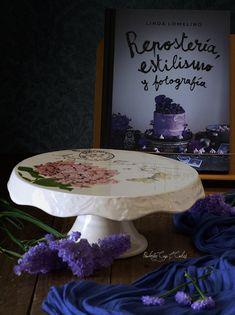Sorteo: Libro Repostería, estilismo y fotografía de Linda Lomelino & Stand cerámico Botanical para tartas pintado a mano (color marfil, 24 cm Ø)