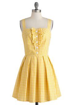 Lemonade to Order Dress. The sunshine streaming through your flats windows this morning inspires you to grab the necessary ingredients and mix up a pitcher of freshly squeezed lemonade. #yellow #modcloth