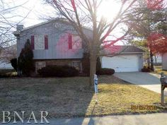 $110,000  Bi-level with a newer roof. Short sale with great upside. Some TLC needed. 2210 Woodhavens, Bloomington, IL