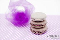 Fialové makronky - svatební inspirace   ///   Violet macarons - wedding inspiration   ///   AVANTGARD inspiration