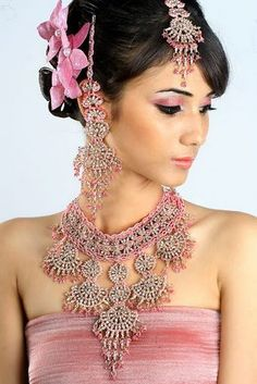 ooooo pretty in blush! Indian Makeup And Jewelry, Indian Wedding Jewelry, Bridal Jewelry, India Jewelry, Jewellery, Nicole Fashion, Indian Necklace, Bollywood Wedding, Bollywood Jewelry