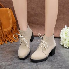 Women's Pure Color Thick Heel Suede Shoeelace Short Boots