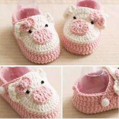 Pig baby booties crochet