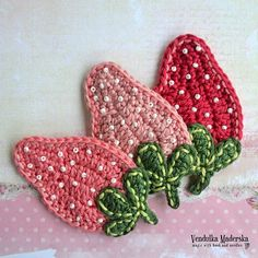 Free crochet pattern by VendulkaM - Crochet Strawbery Applique