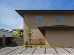 福津の家 Exterior Paint Colors, Exterior Design, Japan Modern House, Japanese Modern, House Wall, Facade Architecture, Architect Design, Ideal Home, House Design