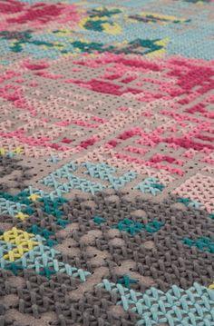Вышитые ковры в стиле Canevas