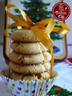 Brie com Goiabada: Biscoitinhos de Leite em Pó