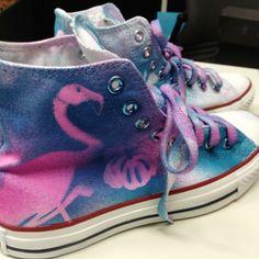 Marabu Fashion-Spray & Silhouette-Schablone http://marabu.com/k/ilf #Marabu #IloveFashion #Chucks #Textilfarbe #Spray #Flamingo #Paradies #Scherenschnitt
