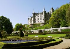 Dunrobin Castle in Scotland jigsaw puzzle in Castles puzzles on TheJigsawPuzzles.com