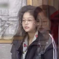 Memes Blackpink, Kpop Memes, Blackpink Photos, Funny Photos, Meme Faces, Funny Faces, Blackpink Funny, Reaction Face, Jennie Kim Blackpink