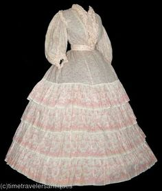 sheer 1860's http://patchworkconpatrones-donny.blogspot.com.ar/. Personal Tags: V-neck, sheer