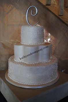 Pearlized paisley wedding cake.