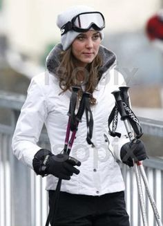 Kate Middleton doesn't look like a marshmallow in her winter coat, and neither will I!