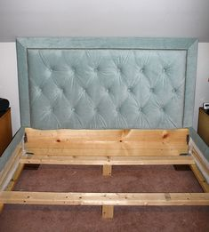 DIY Uphlostered Headboard and Bed Frame - been wanting to do this but wasn't sure where to start.