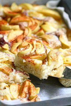 Helppo, pehmeä ja mehevä omenapiirakka (munaton, maidoton) - Suklaapossu
