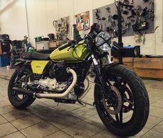 Finally on wheels! 😏👍🏻#motoguzzi #motorcycle #instaguzzi #caferacer #v65 #verdelegnano #vintagemotorcycle #classicmotorcycle #caferacersofinstagram