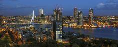 Porto de Roterdã, um dos mais movimentados do mundo.  Erasmusbrug seen from Euromast - Países Baixos – Wikipédia, a enciclopédia livre